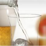 Gydytojai primena: karštą dieną nei alus, nei kava, troškulio nenumalšins