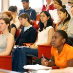 Specialistai pataria: sveikatos draudimas vykstant studijuoti svetur