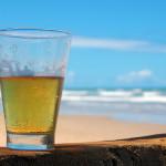 Alkoholis paplūdimyje – arba bauda, arba gyvybė