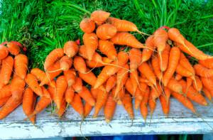 Beta karotino gausu oranžinėse daržovėse - jo rūkoriams, kaip papildo, vartoti nereikėtų (Asociatyvi nuotr.)