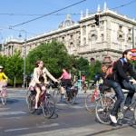 Per metus vidutiniškai žūsta 25 dviratininkai. Netapkite vienu jų!