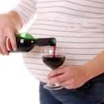"""""""Vaisiaus alkoholio sindromo"""" diena: iki 70 proc. nėščiųjų vartoja alkoholį"""