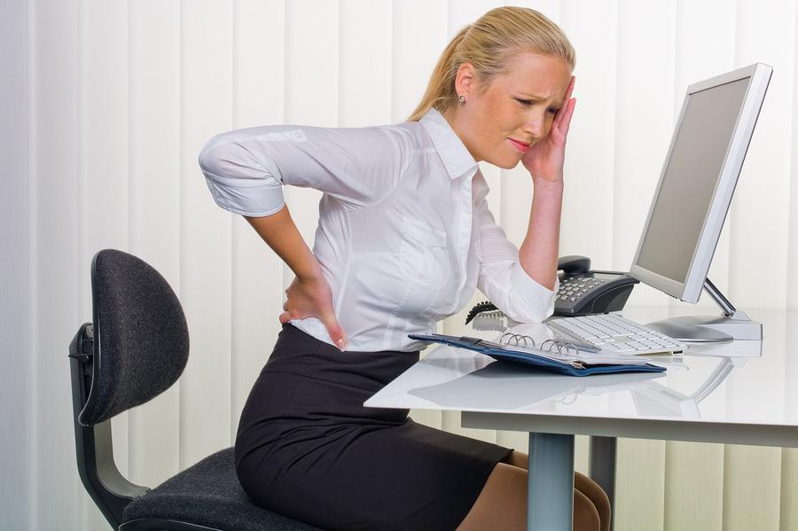 Apatinės nugaros dalies (juosmens ir kryžmens) skausmas yra dar labiau paplitusi problema –jį per savo gyvenimą patiria absoliuti dauguma žmonių. (infomazza.com nuotr.)