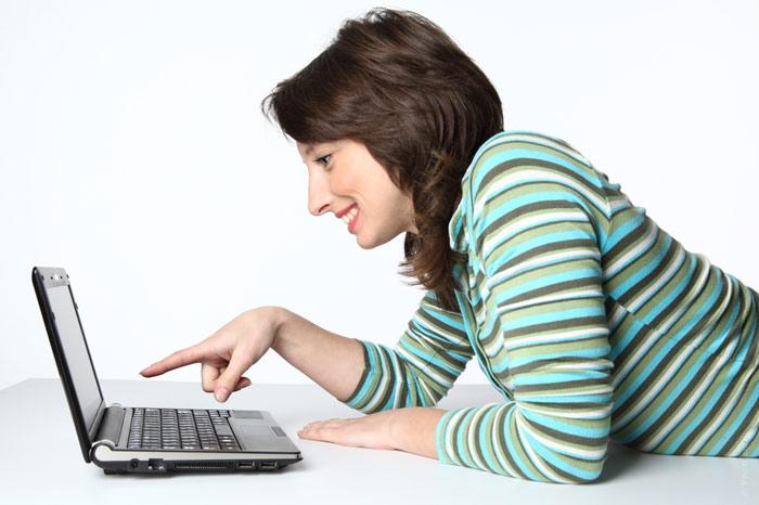 """""""Galiu drąsiau jaustis reikšdamas savo mintis tame pačiame """"Facebooke"""" ar kitoje virtualioje erdvėje, nes kitas žmogus manęs nemato ir negirdi."""", – sako S. Markuckienė (genius.com nuotr.)"""