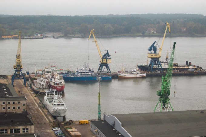 Vyko stalo pratybos kaip elgtis, jei į Klaipėdos uostą atvyktų Ebolos virusu užsikrėtęs jūrininkas (15min.lt nuotr.)