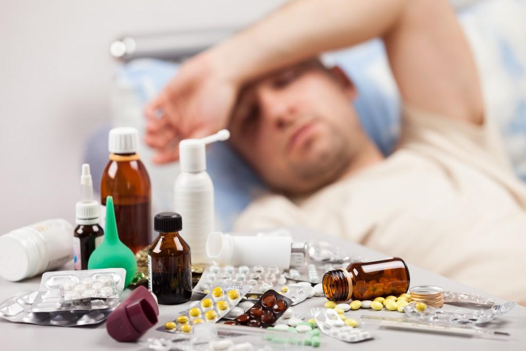 Jei neišsivysto gripo komplikacijų, ligoniai pasijunta geriau po 7-10 dienų. (Asociatyvi nuotr.)