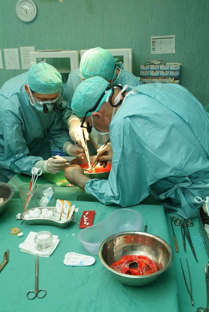 Širdies transplantacijos metu. (Petro Katausko nuotr.)