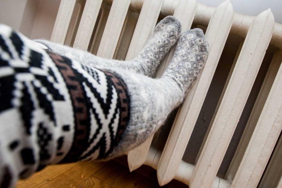Šaltuoju metu laiku žmonės skundžiasi ir nuolat šąlančiomis galūnėmis. (DELFI nuotr.)