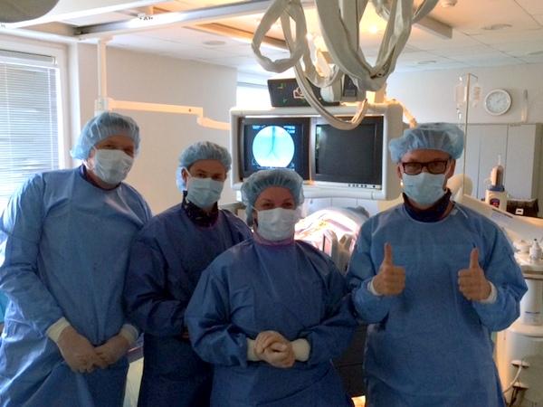 Pirmosios Lietuvoje dirbtinės aortos implantacijos gydytojų komanda.