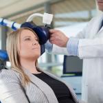 Transkranijinė magnetinė stimuliacija: sostinėje įdiegtas naujas galvos smegenų stimuliavimo metodas