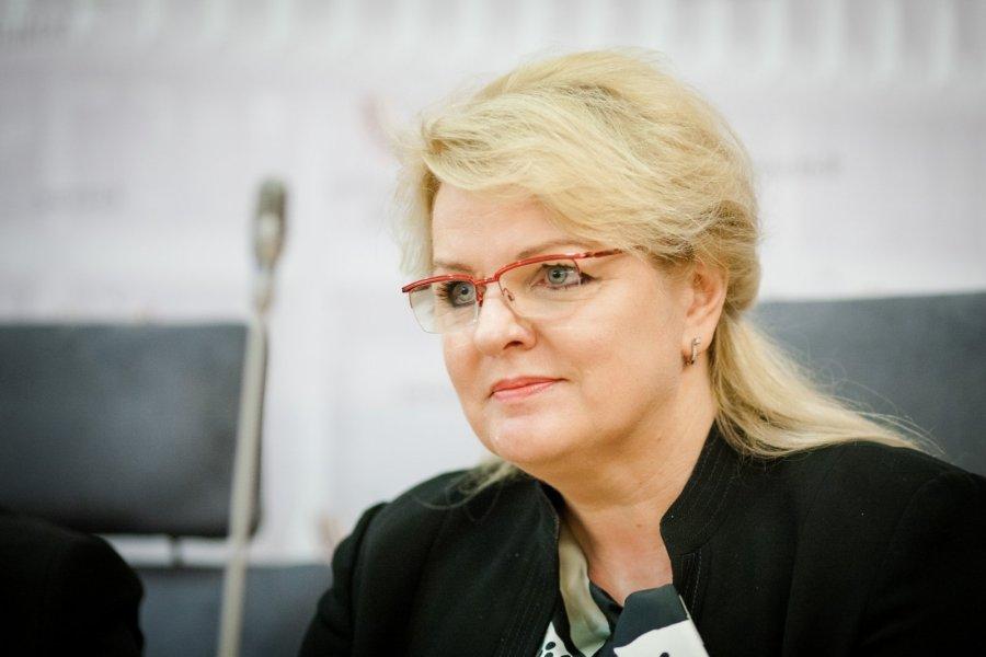 Socialinės apsaugos ir darbo ministrė A. Pabedinskienė.  (Š.Mažeikos nuotr.)