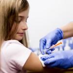 Gimdos kaklelio vėžys kasdien Lietuvoje diagnozuojamas dviems moterims: mergaitės bus skiepijamos nemokamai