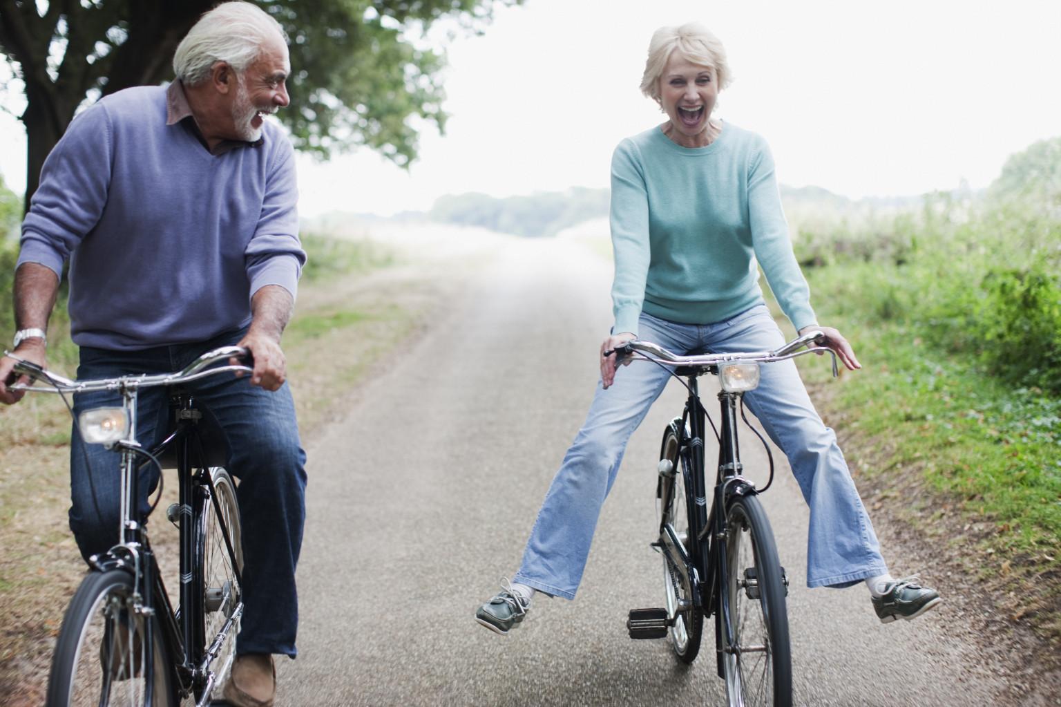 Vyresniame amžiuje daugelis žmonių jau yra praradę sugebėjimą norėti, svajoti, džiaugtis, tačiau yra įpratę dirbti ir nebemoka tiesiog atsipalaiduoti. (shutterstock.com nuotr.)