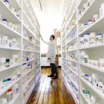 Vaistinių lentynose – vaistai ar kosmetikos gaminiai?