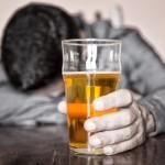 Alkoholizmu sergančių gydymą apmokės PSDF