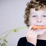 Skiria daugiau dėmesio moksleivių valgomiems vaisiams bei daržovėms