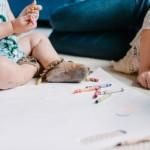 Ne vien trūkumai: vėlyvos motinystės vaisius – genijus?