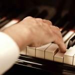 Didžiausias skausmo pavojus – grojantiems klavišiniais instrumentais