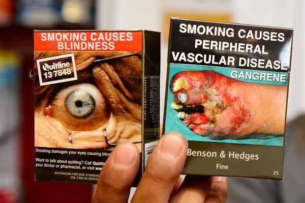 Cigarečių pakeliai Australijoje.
