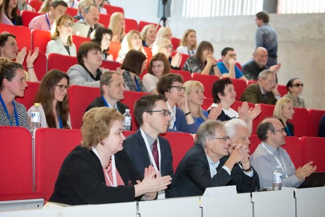 Konferencijos lektoriai ir klausytojai.