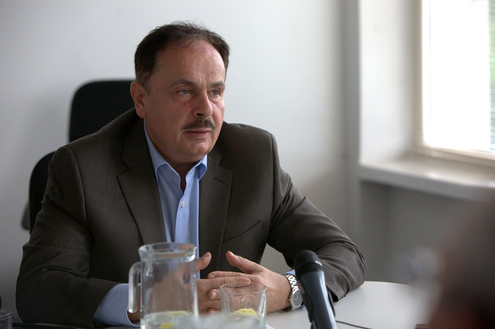 prof. habil. dr. V. Ostapenko