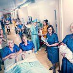 Britės akušerės palieka darbą nacionalinėje sveikatos tarnyboje